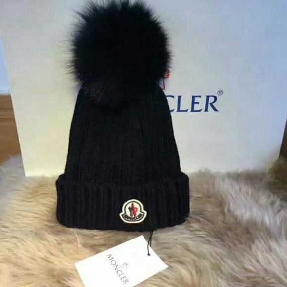90ba00dafb004 Moncler Accessories